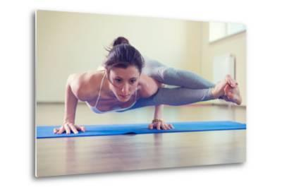 Beautiful Young Woman Yoga Workout in Gym-spass-Metal Print