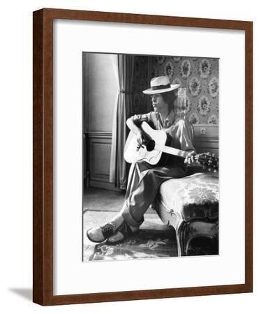 Mick Jagger in Vienna-Associated Newspapers-Framed Photo
