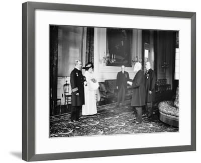 Captain Rostron of the Carpathia is presented with the American Cross of Honour, 1913-Harris & Ewing-Framed Photographic Print