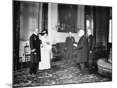 Captain Rostron of the Carpathia is presented with the American Cross of Honour, 1913-Harris & Ewing-Mounted Photographic Print