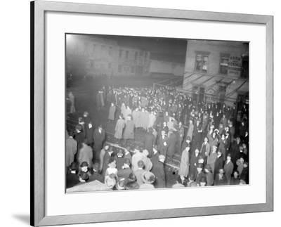 Crowd awaiting survivors from the Titanic, 1912--Framed Photographic Print