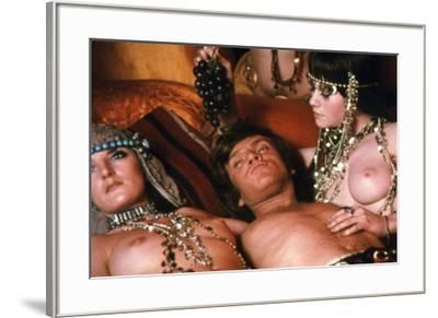 A CLOCKWORK ORANGE, 1971 directed by STANLEY KUBRICK with Malcolm McDowell (photo)--Framed Photo