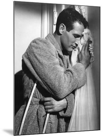 CAT ON A HOT TIN ROOF, 1958 directed by RICHARD BROOKS Paul Newman (b/w photo)--Mounted Photo