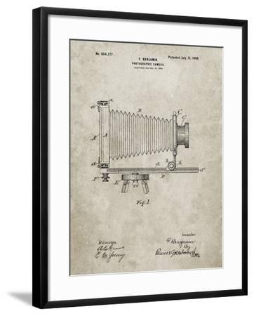 PP985-Sandstone Photographic Camera Patent Poster-Cole Borders-Framed Giclee Print