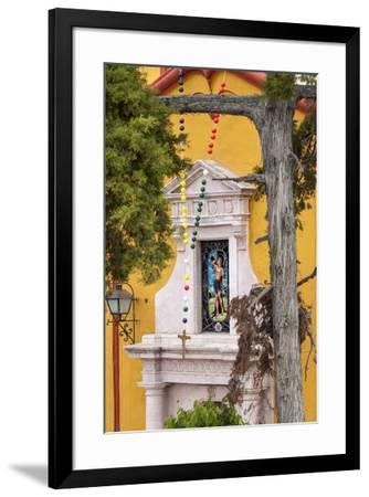 Mexico, Bernal, View of Church of St. Sebastian-Hollice Looney-Framed Premium Photographic Print