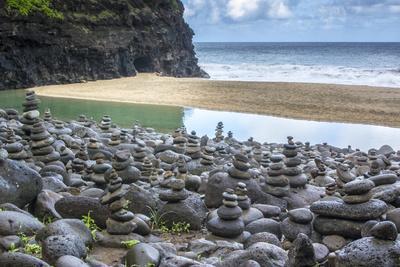 Hawaii, Kalalau Trail, Kauai, Napali, Napali Coast State Park, rock cairns-Lee Klopfer-Framed Premium Photographic Print