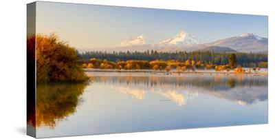 USA, Oregon, Bend. Black Butte Ranch, fall foliage and Cascade Mountains-Hollice Looney-Stretched Canvas Print