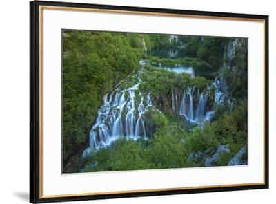 Croatia, Plitvice Lakes National Park. Waterfall landscape.-Jaynes Gallery-Framed Premium Photographic Print