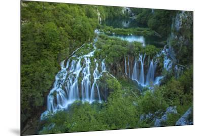 Croatia, Plitvice Lakes National Park. Waterfall landscape.-Jaynes Gallery-Mounted Premium Photographic Print