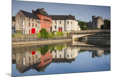 Ireland, County Kilkenny, pubs along River Nore and Kilkenny Castle-Walter Bibikow-Mounted Premium Photographic Print