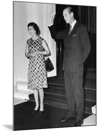 Queen Elizabeth II and Prince Philip hosting a state visit-Associated Newspapers-Mounted Photo