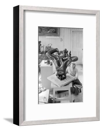 Leon Underwood in his studio with 'Phoenix for Europe', c.1971-72--Framed Photographic Print