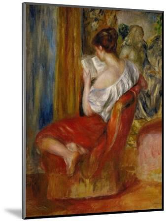 La liseuse-reading woman, around 1900. Oil on canvas, 56 x 46 cm.-Pierre-Auguste Renoir-Mounted Giclee Print