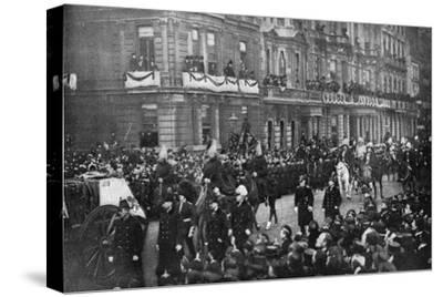 Queen Victoria's funeral procession passing through London, 1901. Artist: Unknown-Unknown-Stretched Canvas Print
