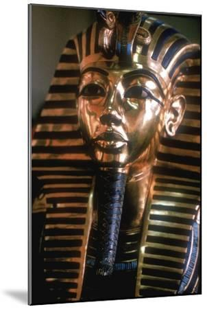 Gold mask of Tutankhamun on his mummy-case. Artist: Unknown-Unknown-Mounted Giclee Print