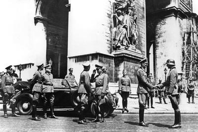 German officers at the Arc de Triomphe during the victory parade, Paris, June 1940. Artist: Unknown-Unknown-Framed Photographic Print