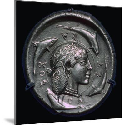 Decadrachm of Syracuse of the fifth century BC. Artist: Unknown-Unknown-Mounted Giclee Print