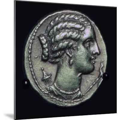 Gold half-stater of Pyrrhus of Epirus, 3rd century BC.-Unknown-Mounted Giclee Print
