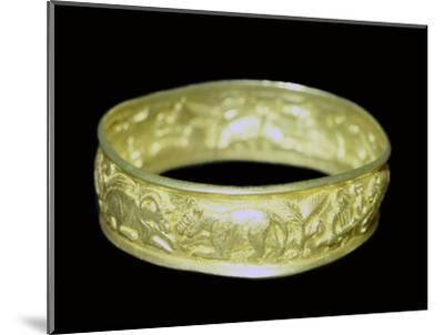 Bracelet from the Hoxne hoard, Roman Britain, buried in the 5th century. Artist: Unknown-Unknown-Mounted Giclee Print