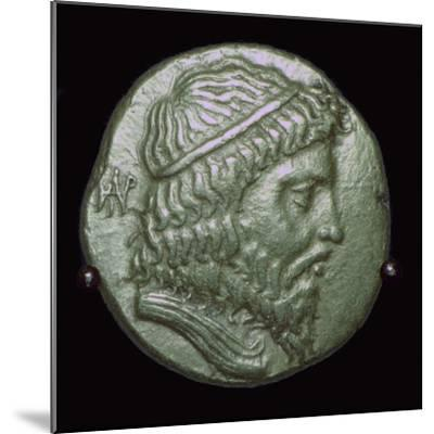Gold Stater of King Andragoras of Parthia. Artist: Unknown-Unknown-Mounted Giclee Print