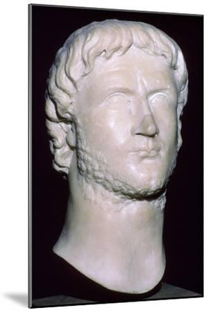 Bust of Gallienus, 3rd century. Artist: Unknown-Unknown-Mounted Giclee Print