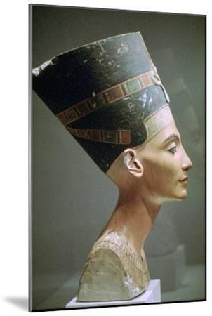 Head of Queen Nefertiti of Egypt. Artist: Unknown-Unknown-Mounted Giclee Print