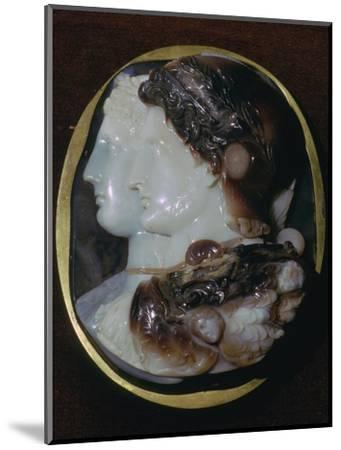 Cameo of the Egyptian ruler Ptolemy II and his wife, 3rd century BC Artist: Unknown-Unknown-Mounted Giclee Print
