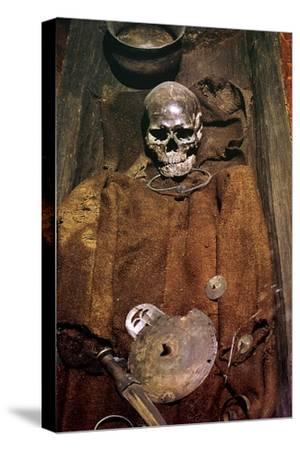 Early bronze age burial from Denmark, 16th century BC. Artist: Unknown-Unknown-Stretched Canvas Print
