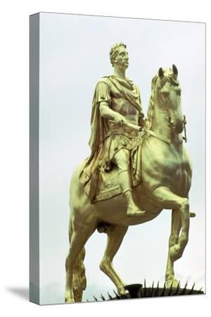 Statue of King William III of England as a Roman Emperor, Hull, England. Artist: Unknown-Unknown-Stretched Canvas Print