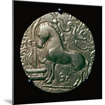 Gold coin of King Samudra Gupta, 4th century. Artist: Unknown-Unknown-Mounted Giclee Print