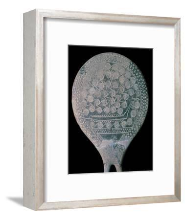 Frying pan figure from Syros, 25th century BC. Artist: Unknown-Unknown-Framed Giclee Print