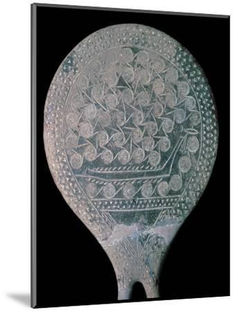 Frying pan figure from Syros, 25th century BC. Artist: Unknown-Unknown-Mounted Giclee Print