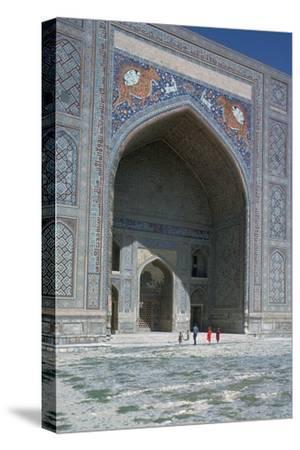 Shir-Dar Madrasa in Samarkand, 17th century. Artist: Unknown-Unknown-Stretched Canvas Print