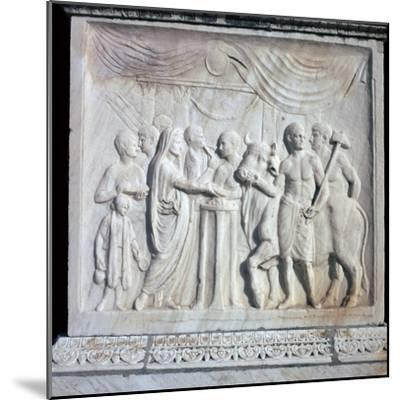An altar dedicated to the Roman Imperial cult, 1st century. Artist: Unknown-Unknown-Mounted Giclee Print