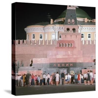 Lenin's Tomb. Artist: Unknown-Unknown-Stretched Canvas Print