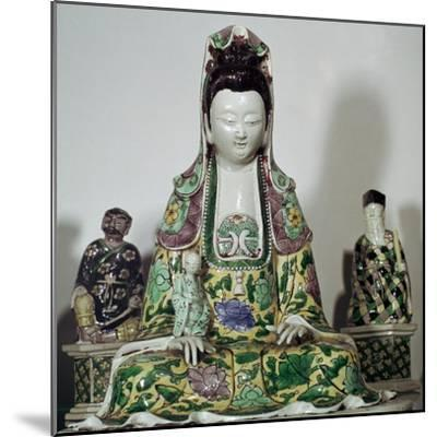 Statuette Chinese of Kuan-Yin, 17th century-Unknown-Mounted Giclee Print