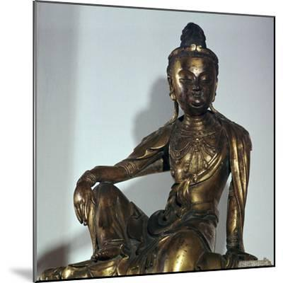 Chinese statuette of the Bodhisattva Kuan-yin, 12th century-Unknown-Mounted Giclee Print