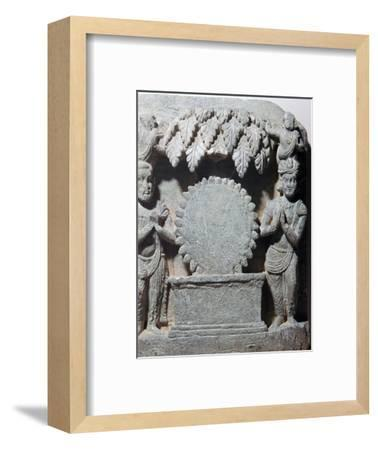 Sculpture of worship of the sun-disc, 1st century-Unknown-Framed Giclee Print