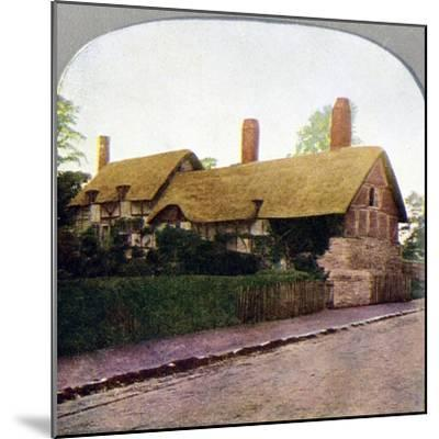 Ann Hathaway's cottage, Stratford-upon-Avon, Warwickshire, early 20th century. Artist: Unknown-Unknown-Mounted Giclee Print