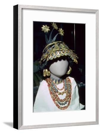 Jewellery from the 'Royal Cemetery' at Ur, Sumeria, Ancient Iraq, Early Dynastic III, about 2600 BC-Unknown-Framed Giclee Print