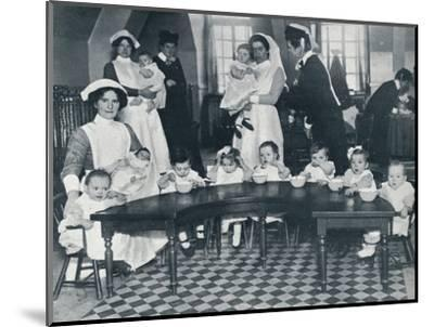 Kingsway Hall Creche for children with fathers at the war and mothers who are working, 1914-Unknown-Mounted Photographic Print
