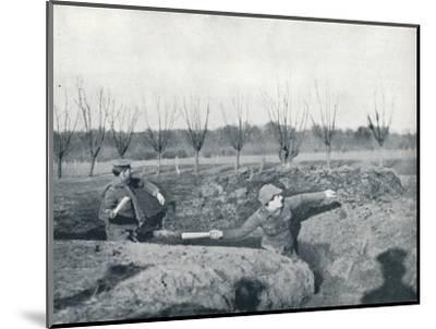 British soldiers practicing throwing hand grenades, c1914-Unknown-Mounted Photographic Print