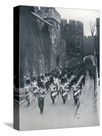 The Guards leaving the Tower of London, c1914-Unknown-Stretched Canvas Print
