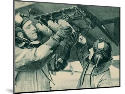 Air observer receiving bombing training, 1940-Unknown-Mounted Photographic Print