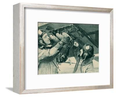 Air observer receiving bombing training, 1940-Unknown-Framed Photographic Print