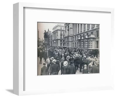 Crowd waiting outside the War Office on the morning before war was declared', 1914-Unknown-Framed Photographic Print