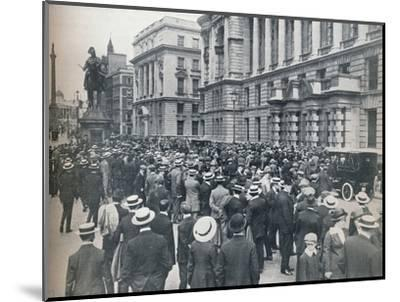 Crowd waiting outside the War Office on the morning before war was declared', 1914-Unknown-Mounted Photographic Print