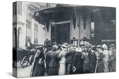 Outside one of the Paris provision storeswhen a siege of the city was feared', c1914-Unknown-Stretched Canvas Print