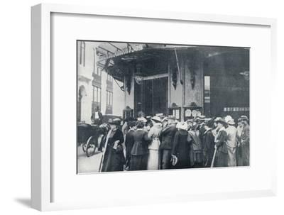 Outside one of the Paris provision storeswhen a siege of the city was feared', c1914-Unknown-Framed Giclee Print