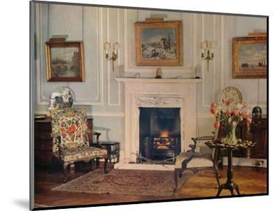 Room at the house of Mrs Chester Beatty, 1932-Unknown-Mounted Photographic Print